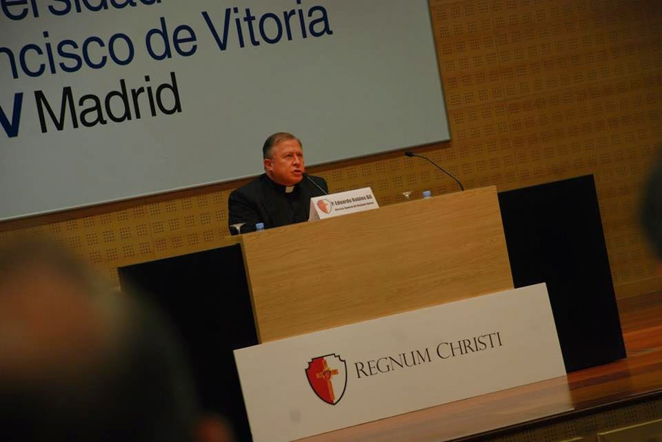 Conferencia P. Eduardo Robles-Gil LC en Madrid