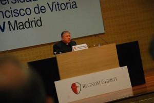 Conferencia P. Eduardo Robles-Gil LC en Madrid